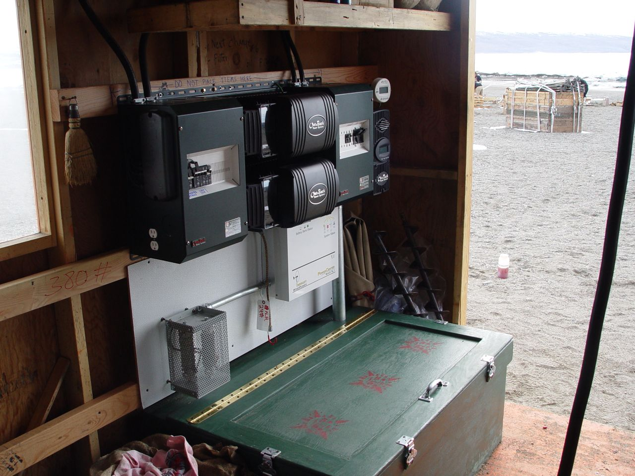 Choosing the Right MPPT Solar Charge Controller